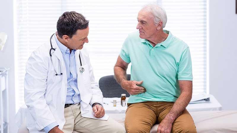 برای خون در مدفوع به چه دکتری مراجعه کنیم؟
